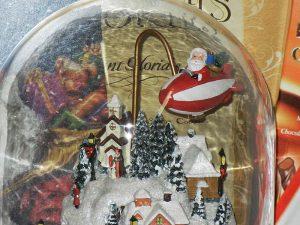 Santa's Village Scenic Musical Dome - Santa's Premium Gift